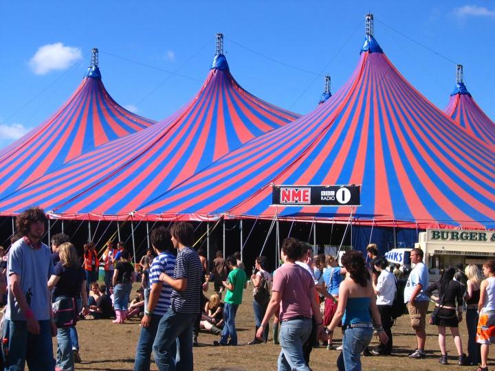 reading_festival_radio_1_tent_2005